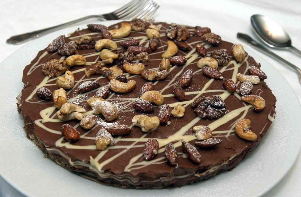 KEVIN ASHTON RECIPE PICTURE 01 Pictured Chocolate tort by Kevin