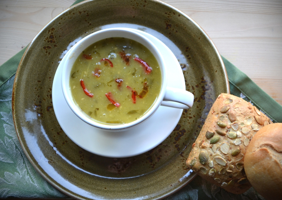 Green Tomato Soup with Roasted Chillies ©Kevin Ashton 2015