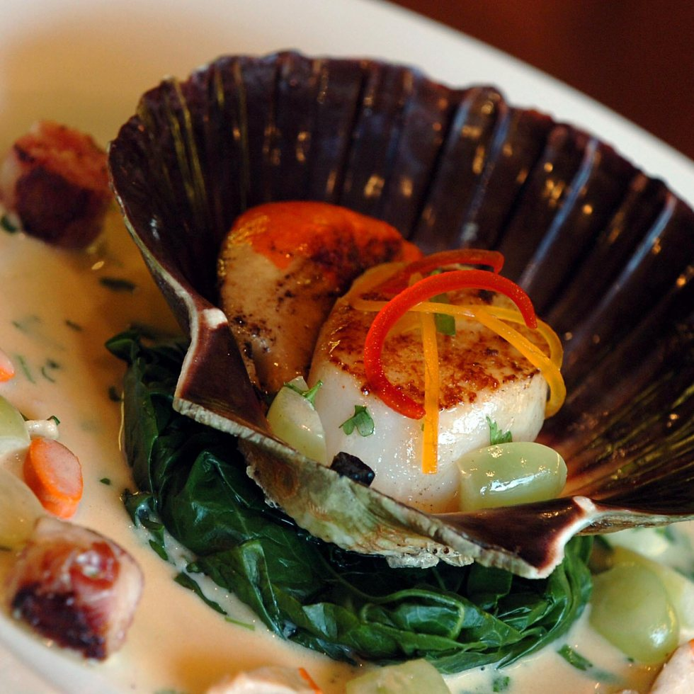 Scallops with Beurre Blanc and Grapes ©Kevin Ashton 2015