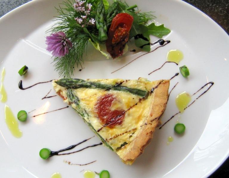 Asparagus & Tomato Tarte small