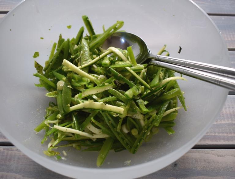 Sugar snap pea salad ©Kevin Ashton 2020